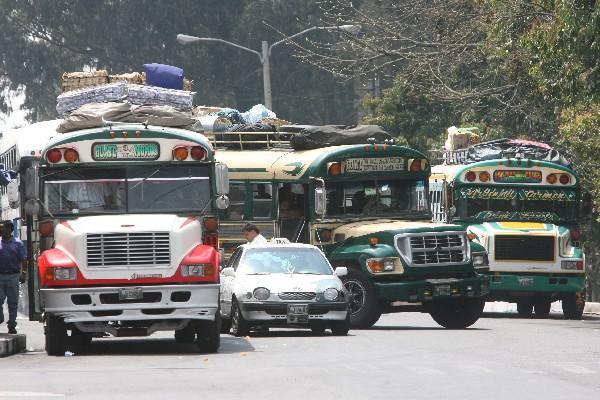 Trasladarse de los municipios del departamento de Guatemala hacia la capital representa una erogación que oscila entre  Q10 y Q20 diarios para los usuarios.