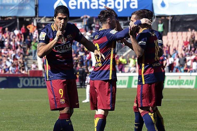 Así festejaron los jugadores del Barcelona. (Foto Prensa Libre: EFE)