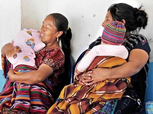 El machismo y el poco acceso a la salud complica el embarazo de las mujeres en el área rural. (Foto Prensa Libre: José Rosales).