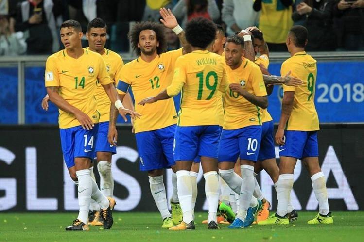 Así festejaron los jugadores de Brasil, en la victoria ante Ecuador. (Foto Prensa Libre: Fifa)