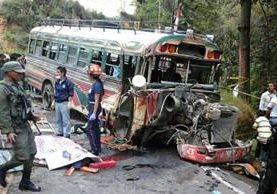 Accidente de bus extraurbano deja una persona muerta. (Foto Prensa Libre: Hemeroteca PL)
