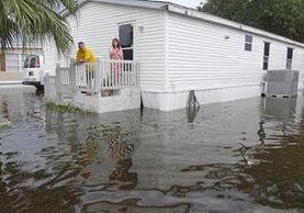 Varias localidades de Florida están afectadas por inundaciones. (Foto Prensa Libre: AP)