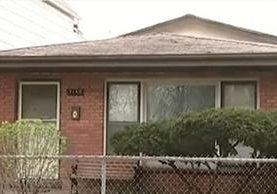 La mortal discusión entre un padre e hijo por sacar de paseo al perro ocurrió en el vecindario de Burnside, Chicago. (Foto Prensa Libre: Fox 32)