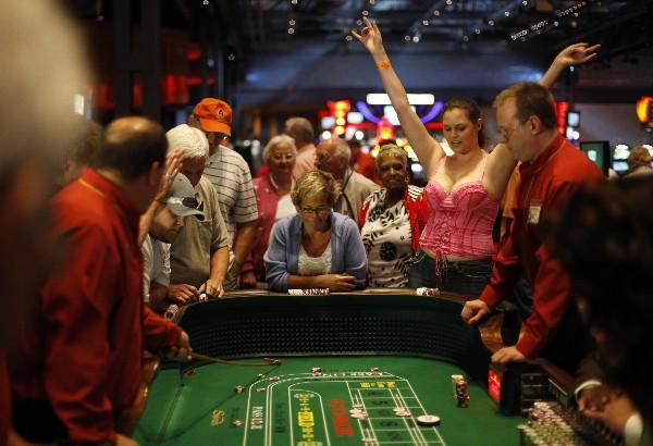 Juegos de azar pagarán impuestos destinados a programas de pensiones.