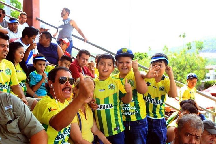 Guastatoya supera por una pequeña ventaja a Municipal en el encuesta de Tododeportes. (Foto Prensa Libre: Edwin Fajardo).