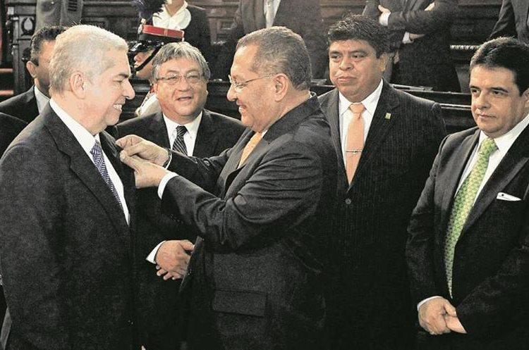 El diputado Aristides Crespo fue presidente del Congreso y también formó parte de la junta directiva, cuando Rabbé presidió el organismo. (Foto Prensa Libre: Hemeroteca PL)