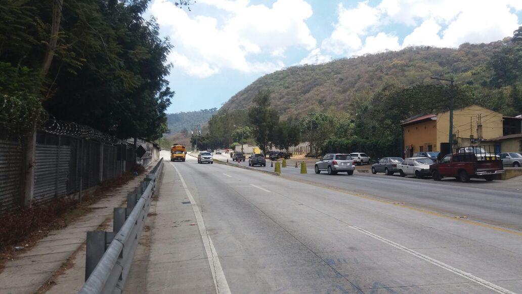 Ingreso a la ciudad colonial que será cerrado este domingo. (Foto Prensa Libre: Renato Melgar).