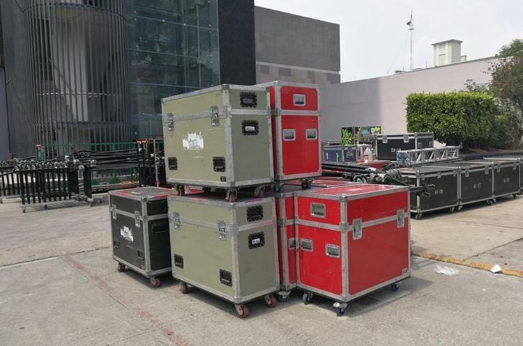Parte del equipo musical que utilizó el cantautor guatemalteco Ricardo Arjona en México. (Foto Prensa Libre: Keneth Cruz)