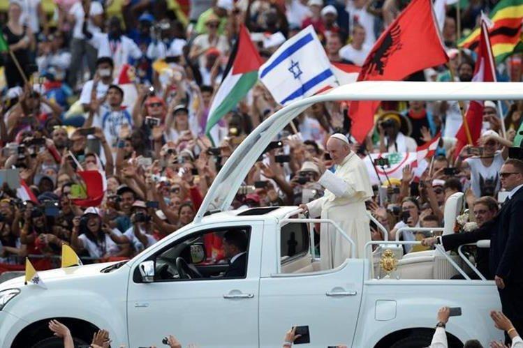 El papa Francisco participó en la Jornada Mundial de la Juventud, en Polonia. (Foto Prensa Libre: EFE)