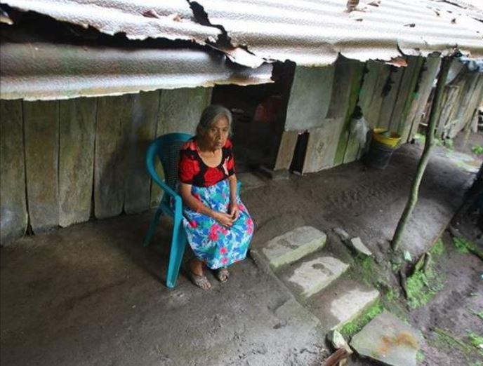 Familias en las faldas del Volcán de Fuego se enfrentan al coloso, la pobreza y el olvido. (Foto Prensa Libre: Érick Ávila)