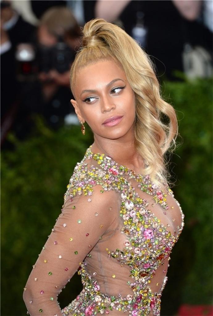 Beyonce pone de moda las colas estilo Samurái. (Foto Prensa Libre: Hemeroteca PL).
