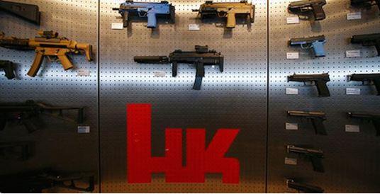 La fiscalía alemana acusó a seis empleados de la fabricante de armas Heckler & Koch por violar las leyes de exportación.(Foto: Twitter).