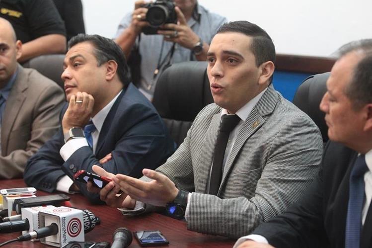 Manuel Giordano dio una conferencia de prensa en donde reconoció que es sarcástico y que era una broma los comentarios contra el Gobernador. (Foto Prensa Libre: Hemeroteca PL)