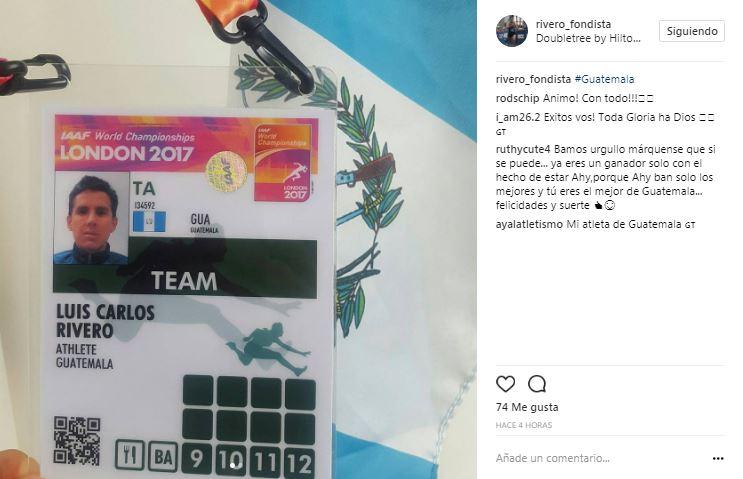 El maratonista compartió en sus redes sociales la acreditación para el Mundial. (Foto Prensa Libre: Captura de pantalla: Instragram)