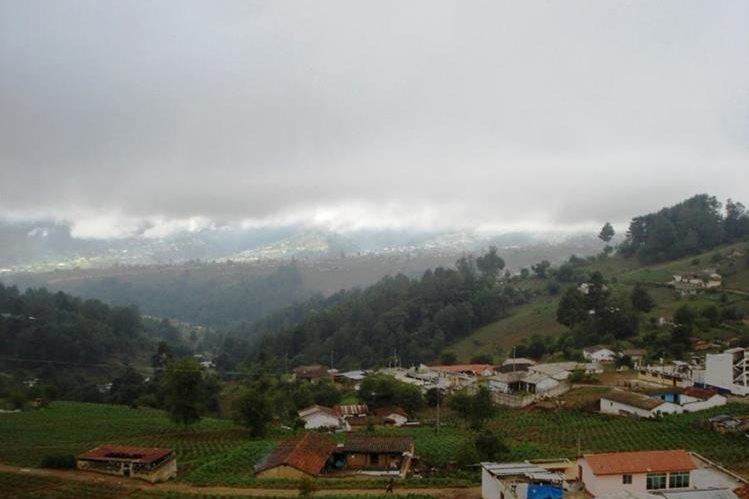 Vista panorámica de Panimajá luce casi desierta por los pocos habitantes que tiene, varios vecinos han emigrado a Estados Unidos. (Foto Prensa Libre: Hemeroteca PL)