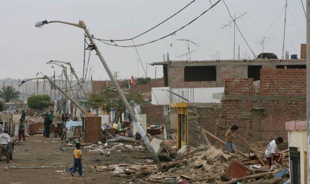 El sismo derribó viviendas y dañó infraestructura. (Foto referencial del sitio trome.pe)