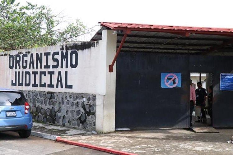 El juicio contra los exfuncionarios ediles de San Pablo Jocopilas se desarrolló en el Juzgado de Sentencia Penal de Mazatenango. (Foto Prensa Libre: Cristian Soto)