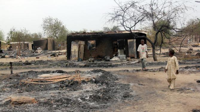 <em>El grupo islamista de Boko Haram mató a casi 80 personas en ataques contra tres aldeas.</em>