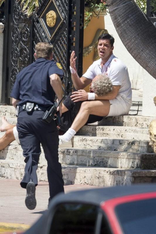 En una de las escenas de la serie, Versace es asesinado. (Foto Prensa Libre: us.hola.com)