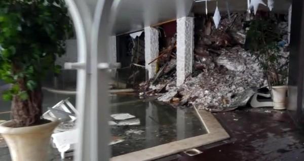 Interior del hotel Rigopiano, alcanzado por una avalancha.(EFE).