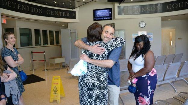 Richard Anthony Jones celebró con su familia su liberación