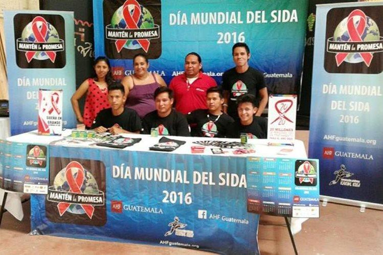 Representantes de las organizaciones que efectúan el evento, durante una conferencia de prensa en Mazatenango, Suchitepéquez. (Foto Prensa Libre: Melvin Popá)