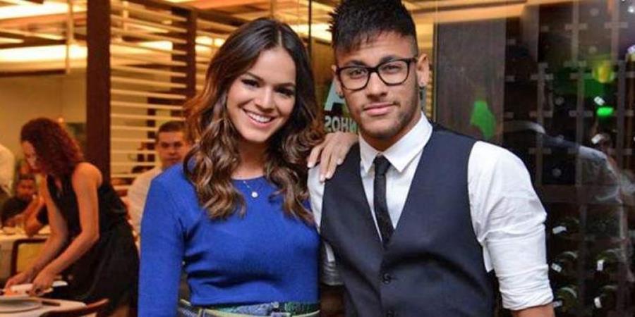 Neymar pone fin a especulación sobre su vida personal