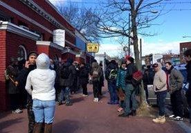 Varios comercios se han unido a protesta en solidaridad
