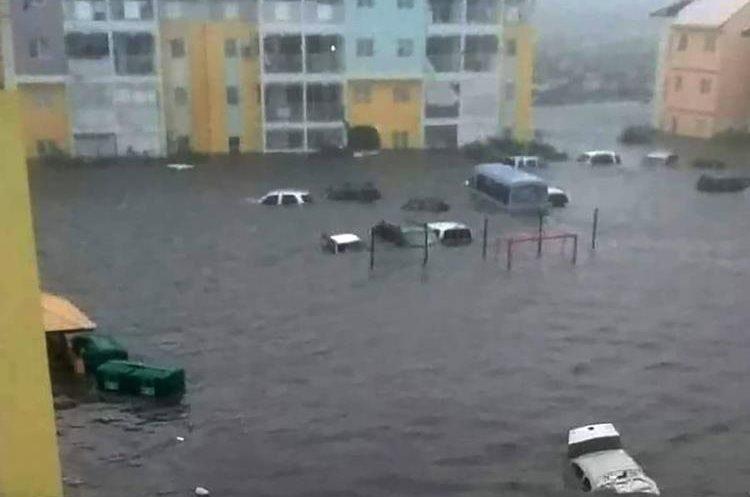 El Huracán se acercaría a La Florida, Estados Unidos, este día.