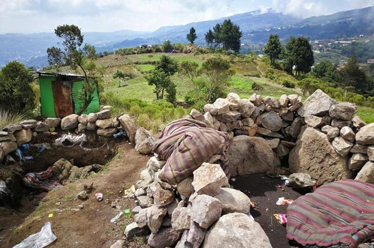 Desde las montañas disparan a los pueblos cercanos, indican los vecinos del lugar.