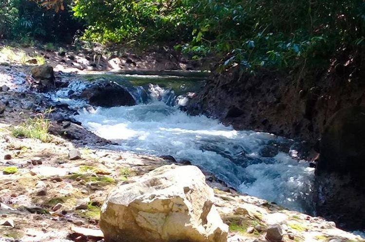Las piedras gigantes de Petacalapa se encuentran en la aldea del mismo nombre, en Malacatán. (Foto Prensa Libre: Whitmer Barrera)