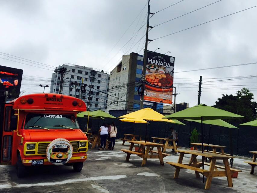 Diferentes camiones de comida se estacionarán en el parque. (Foto Prensa Libre: Jars Cinema)