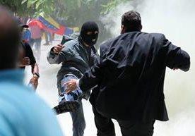 Varios congresistas heridos en la Asamblea Nacional