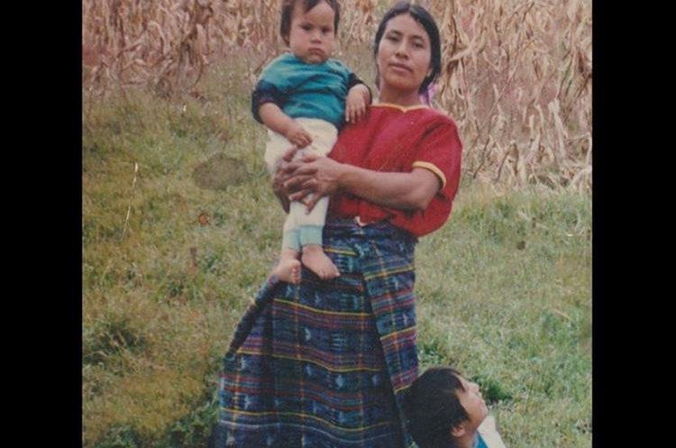 El guatemalteco admite extrañar a su familia en Momostenango, sobre todo a su madre Rosa María.