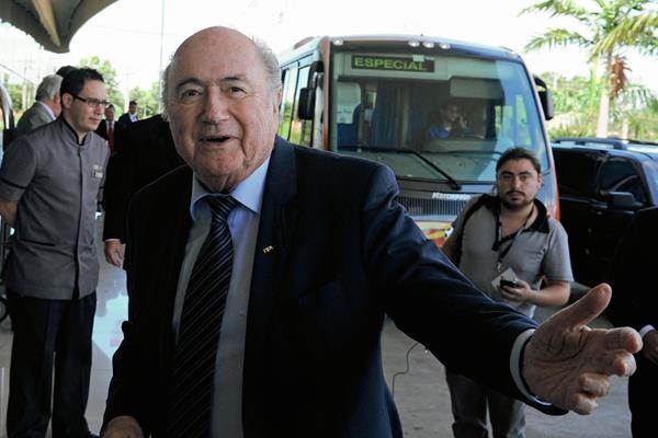 Blatter podría ejercer otro mandato de cuatro años en la FIFA pese a su avanzada edad. (Foto Prensa Libre:Hemeroteca)