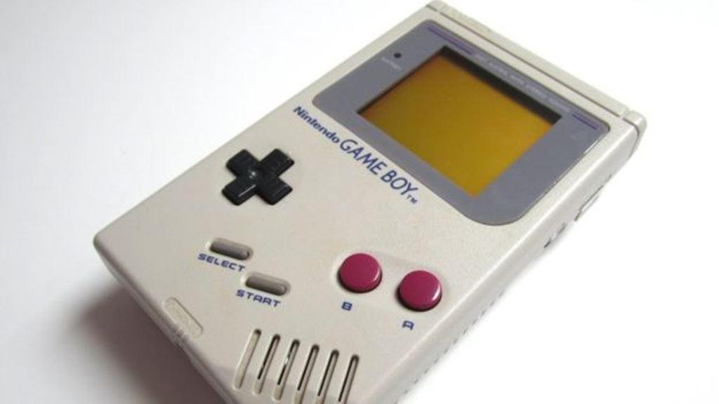 Una Game Boy como esta, con el juego de Tetris incluido, se vendió por más de US$1.000. BBC MUNDO