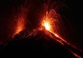 El Volcán de Fuego incrementa su actividad en las últimas horas. (Foto Prensa Libre: Insivumeh)
