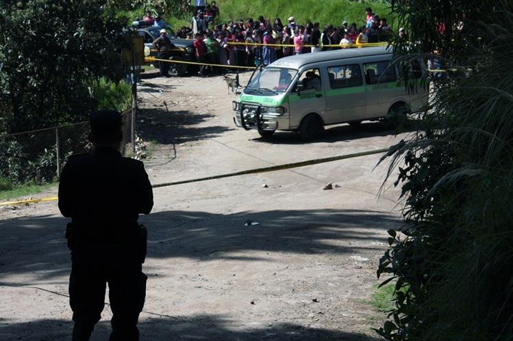 Lugar dona ocurrió el ataque contra la unidad de transporte colectivo, en Quetzaltenango. (Foto Prensa Libre: Carlos Ventura)