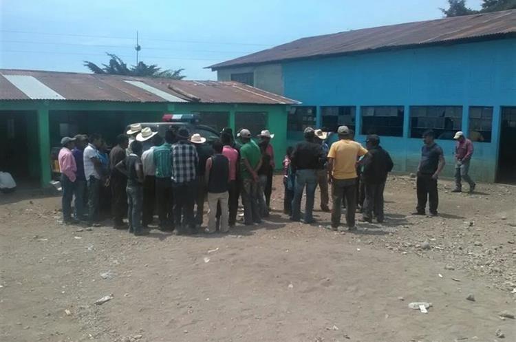 Pobladores de Canquintic, Nentón, temen por una nueva incursión de campesinos. (Foto Prensa Libre: Mike Castillo)