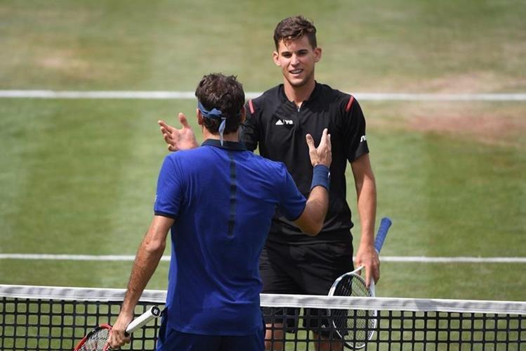 Thiem está tomando costumbre de eliminar a Federer en las grandes citas. (Foto Prensa Libre: EFE)