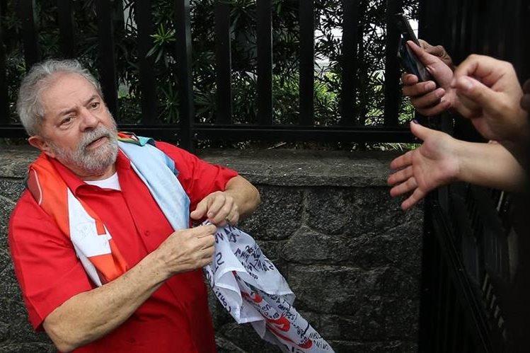 El expresidente brasileño, Lula da Silva, en una aparición pública el fin de semana último. (Foto Prensa Libre: EFE).