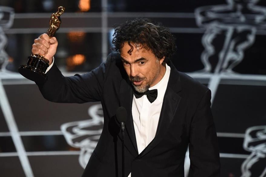 El director Alejandro González Iñárritu en su discurso al ganar el Óscar en el 2015. (Foto Prensa Libre: Hemeroteca PL)