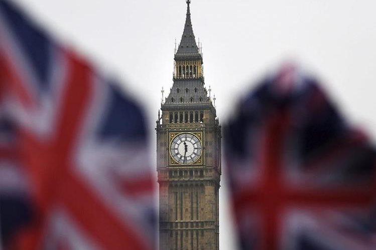 """El Gobierno británico presentó el proyecto de ley que debe autorizar el comienzo del """"brexit"""", la salida de la Unión Europea.(EFE."""