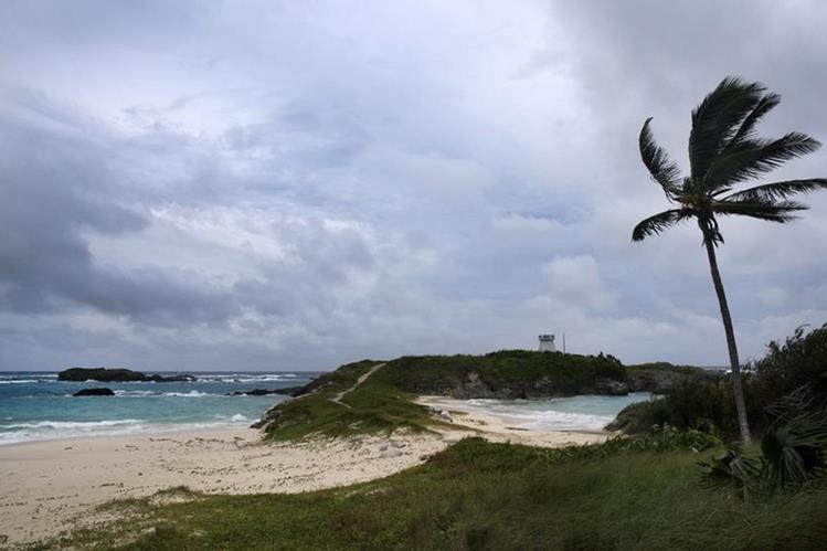 Nicole impactará Bermudas entre miércoles y jueves. (Foto Prensa Libre: AFP)