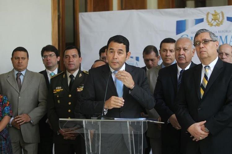 El presidente Jimmy Morales reconoció que los esfuerzos para mejorar el país no han sido suficientes. (Foto Prensa Libre: Erick Ávila)