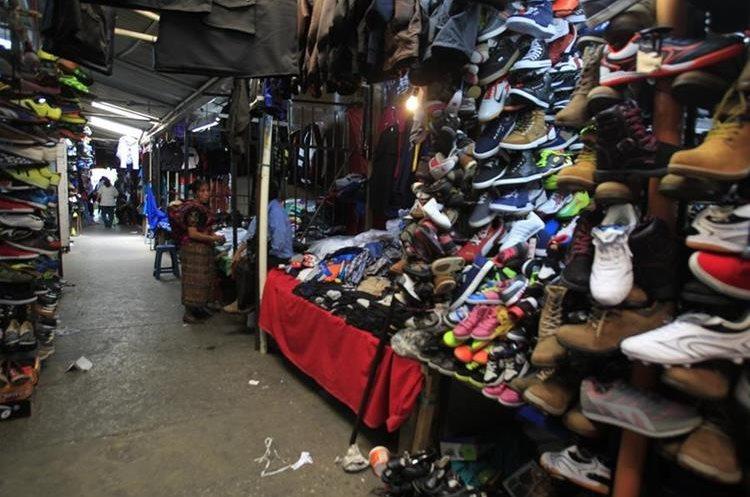 Aspecto actual del mercado de la 18 calle que aún funciona. (Foto: Hemeroteca PL)