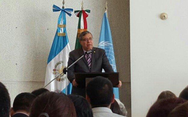 El vicepresidente Jafeth Cabrera participa en la presentación de un informe sobre Trata de Personas, en la Embajada de México, donde expresó su postura acerca de los candidatos a la PGN. (Foto Prensa Libre: Geovanni Contreras)