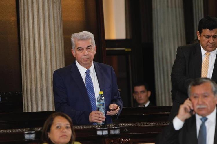 Luis Rabbé podría perder su curul de no asistir a las sesiones en el Congreso. (Foto Prensa Libre: Hemeroteca PL)
