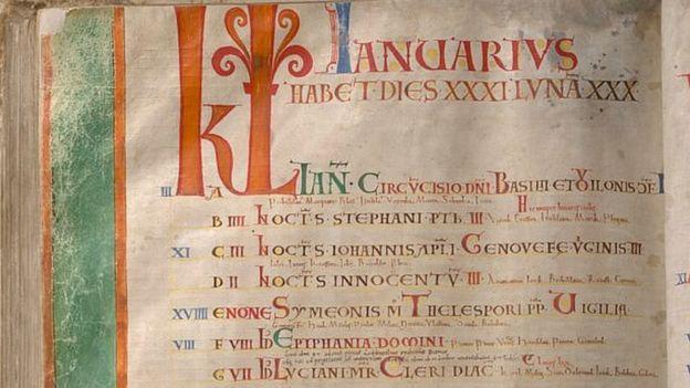 El calendario recuerda las fechas para conmemorar los santos y otros eventos y personas importantes. PER B. ADOLPHSON/BIBLIOTECA NACIONAL DE SUECIA