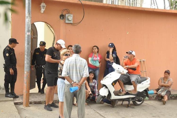Vecinos de Bosques de San Julián, Zacapa, escucharon varios balazos en vivienda. (Foto Prensa Libre: Mario Morales)